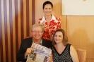 2012时任澳大利亚外交部长陆克文阅读澳华时报