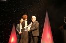 刘秀华女士为格里菲斯大学电影学院院长 赫曼瓦艾肯先生颁发首届中澳国际电影节最佳贡献奖_1